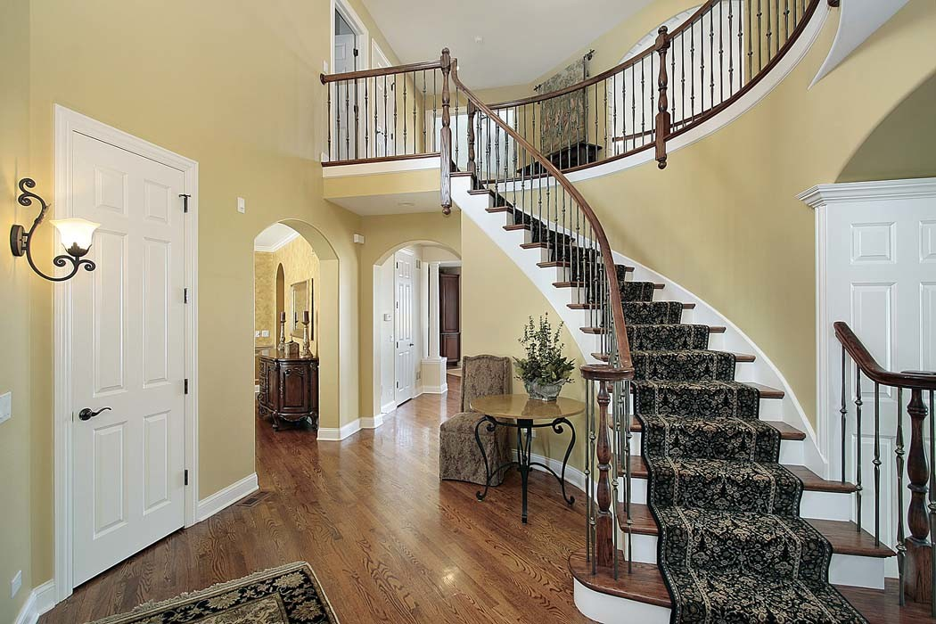 Luxury Home Foyer - HDRE Corporation