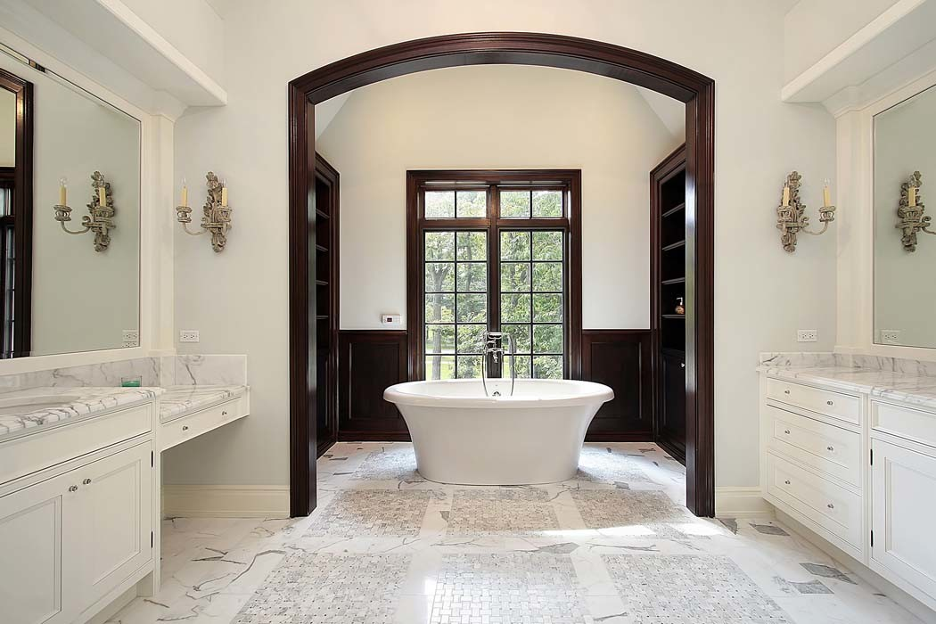 Master Bath with Arched Entry - HDRE Corporation